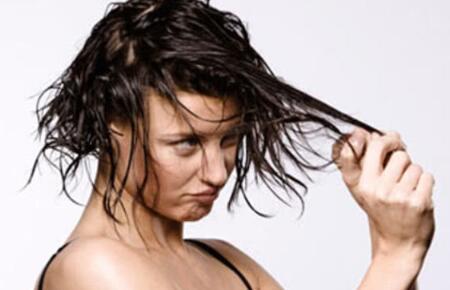 头发容易油腻的6大原因,教你三招改善头发出油