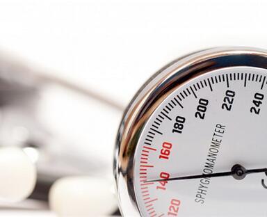 血压忽高忽低的原因,老年高血压有其独特的特点