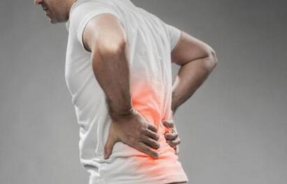 男性总是腰疼的原因,身体出现这些症状要小心